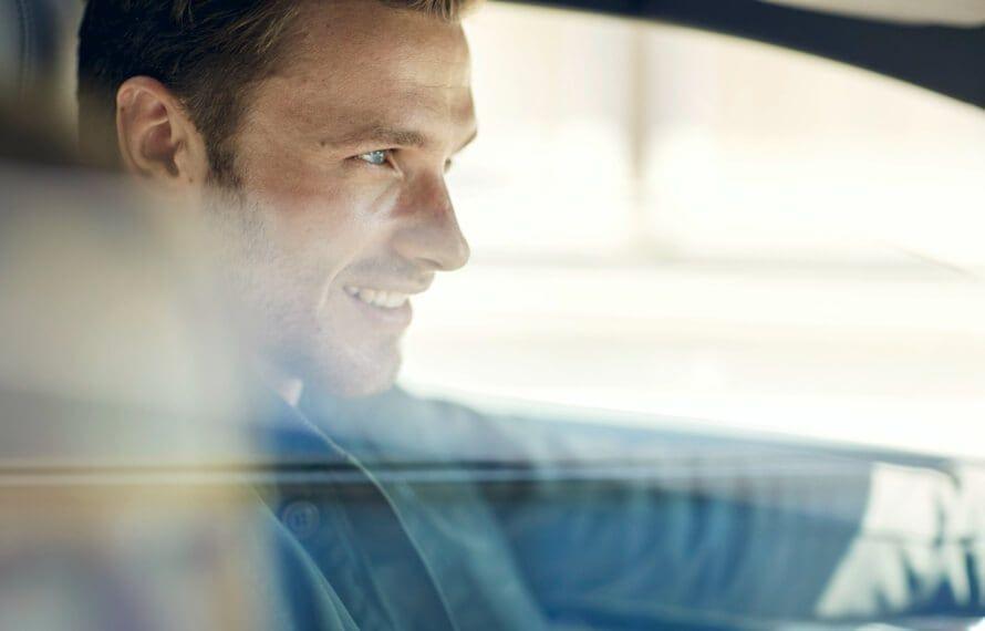 Hyundai SmartSense™<sup>[H2]</sup> active safety.