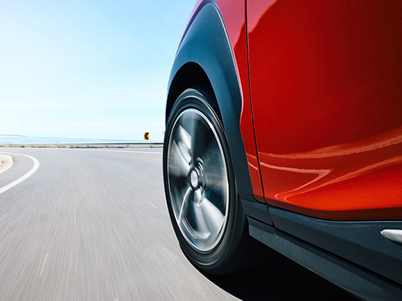 Hyundai SmartSense™<sup>[H4]</sup>.