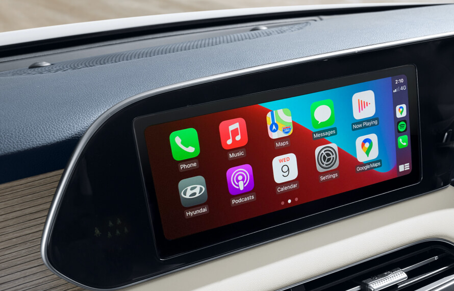 "10.25"" touchscreen with Sat Nav, Apple CarPlay™<sup>[P3]</sup> and Android™ Auto<sup>[P4]</sup>."