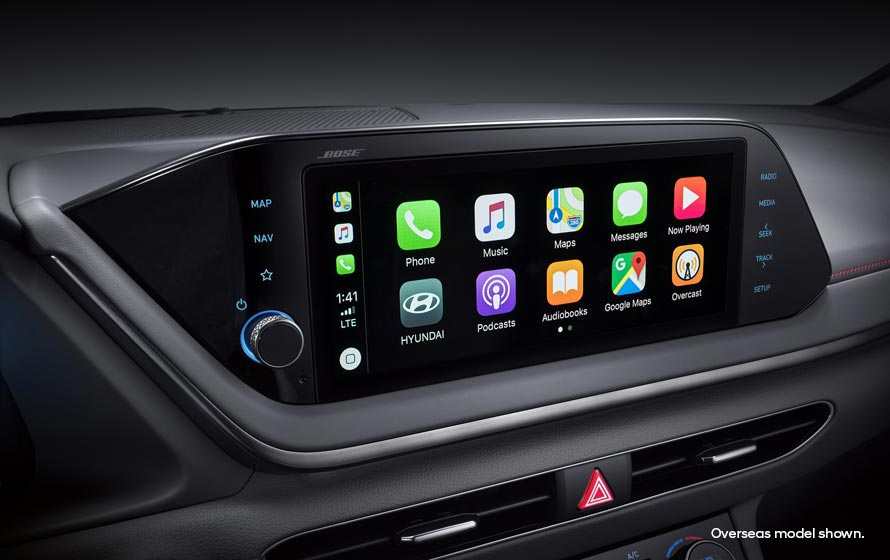 """10.25"""" touchscreen with Apple CarPlay<sup>TM[P1]</sup> and Android<sup>TM[P2]</sup>Auto."""